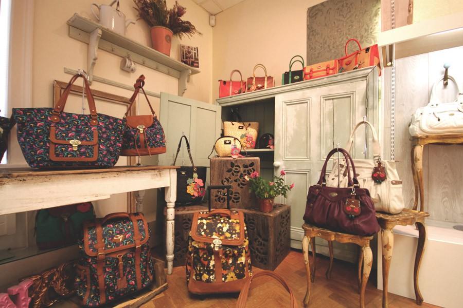 nica-showroom-03