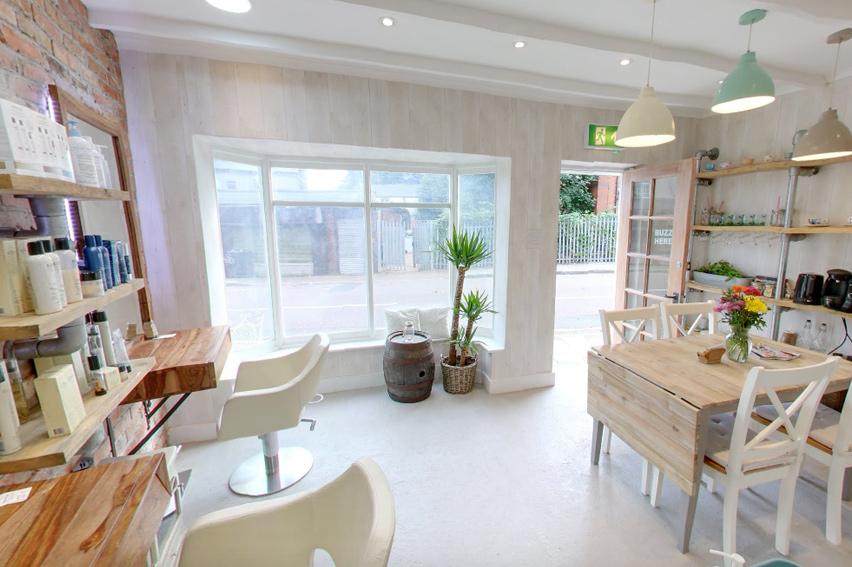 YKG-Oneness-Hair-salon-Interior-Photo-Window-Beauty-Cometology
